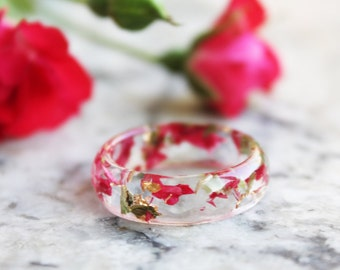 eco resin ring with Carnation petals, green leaves and gold flakes - nature inspired ring - handmade jewelry
