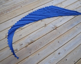 Large Saw Toothed Scarf/ Variegated Blue Scarf/ 100% Virgin Wool