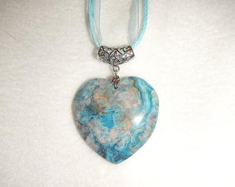 Heart-shaped Blue Crazy Lace Agate pendant (JO442)