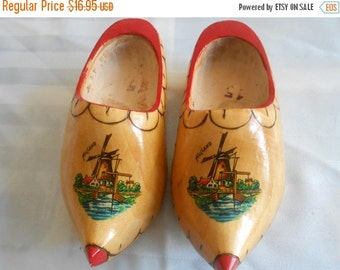 SALE Vintage Dutch-Holland Wooden Shoes- handpainted with windmills- mini sized for hanging on wall