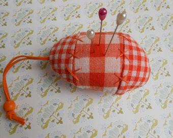 Pincushion Gingham Egg