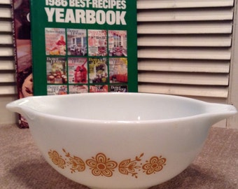 Vintage Pyrex 443 Butterfly Gold 2.5 Quart Cinderella Mixing Bowl