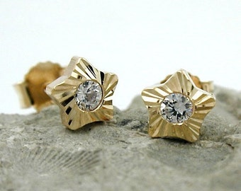 Star Studs zirconia, 9K GOLD