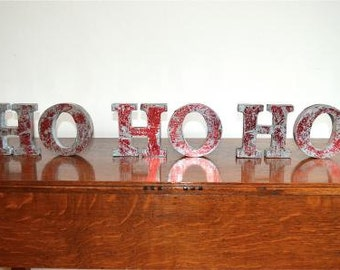 Fantastic retro 3 dimensional red lettering HO HO HO