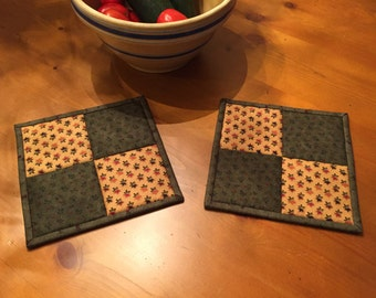Quilted Potholders / Potholders / Hot Pads  / Country Decor / Kitchen Potholders / Item #1524