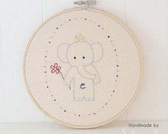 Little Elephant Embroidered Hoop // Embroidered Wall Art // Embroidery Hoop Art // Stitched Wall Art // Hand Embroidery /Handmade /Solipandi