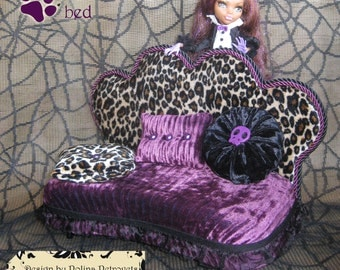 Furniture for Monster High Dolls Handmade Lounge Bed (sofa, couch, divan, settee) for Lagoona Blue with Pillows