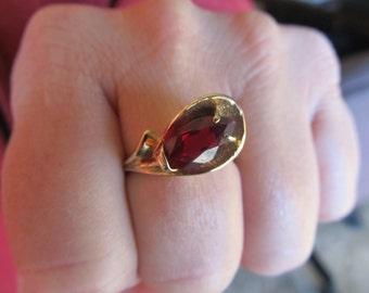 Vintage 10k Gold and Garnet Ring Size 7