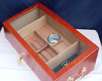 teca umidificatore per sigari in mogano di ciliegio, showcase own cigar humidor made in mahogany of wood of cherry