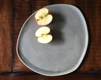 Handmade Irregular-Shaped Porcelain Dinner Plate, Pottery Plate, Ceramic Plate, Cheesse Tray, Serving Plate, Oversize Dinner Plate