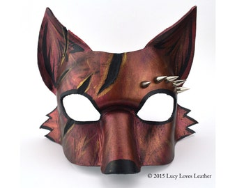 Kitsune Mask with Spikes and Slashes