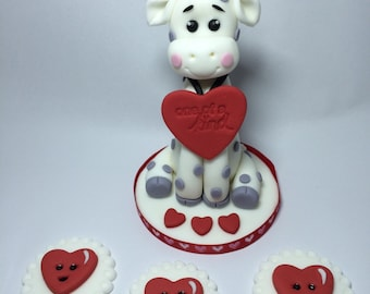 Valentines cake topper giraffe made from gum paste and 6 cupcake toppers
