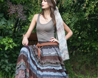 Romantic tiered brown-grey skirt in boho style