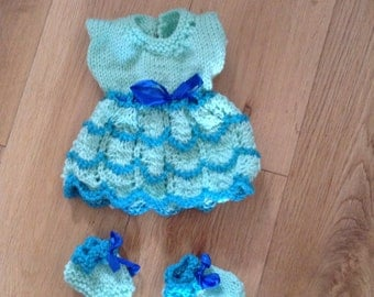 """Dolly dress & bootees 14"""" doll hand knit blue"""