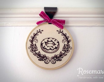 """Embroidered Donut with Laurel 4"""" or 5"""" Embroidery Hoop"""