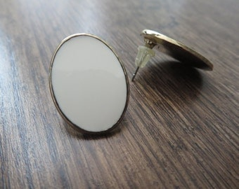 The Hester white oval earrings
