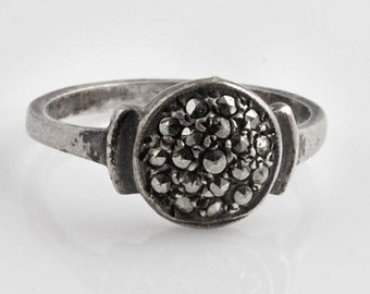 15% OFF Art Deco sterling silver and marcasite ring size 6. (rgvs131)
