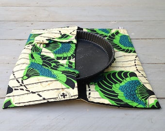 """Pie Crust Bag: stylish and practical accessory, ideal for carrying quiches, cakes and pies. Collection """"a Picnic in Malmousque"""""""