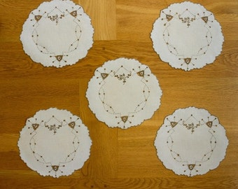 Vintage Linen Dressing Table Doily Mat Madeira Eyelet Embroidery