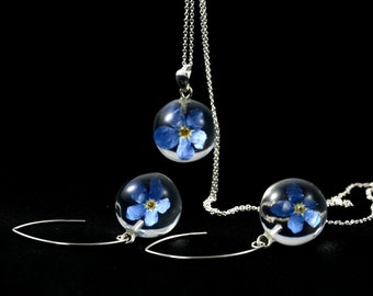 Set of Unique Jewelry, Resin jewelry, Resin Earrings, Resin pendant, Natural Flower Jewelry, Blue Flower. Spheres 1.7 cm. Chain 70 cm.