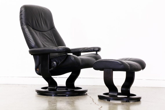 Ekornes Stressless Leather Reclining Chair With Ottoman