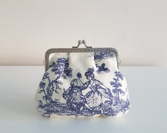 Big purse / change purse / coin purse / Kiss lock purse / clasp purse/make up bag/clutch - toile/blue and white/traditional