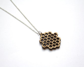 Wooden honeycomb necklace, collar pendant, alveolus, alveolate, man or woman, unisex, nature, natural futuristic, modern and geometric style