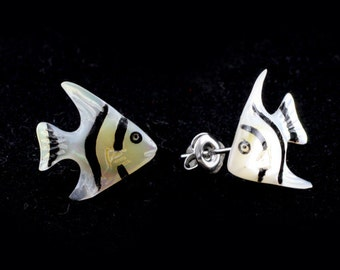 "Hand Carved - ""Silver Angel Fish"" - Mother of Pearl with Horn Inlay Stud Earring - Marina Bay"