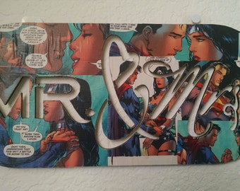 Mr & Mrs, Superman and Wonder Woman, wood sign