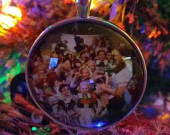 Wizard of Oz, Dorothy & the Munchkins Ornament