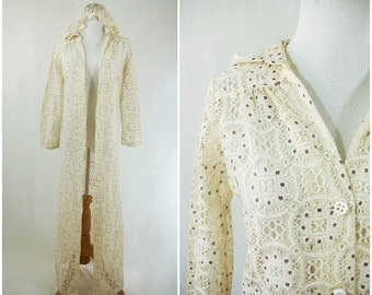 Hooded Gypsy Stevie Nicks Style Long Sleeve Flowing Cover-up // Cream Lace 70's Rockstar Music Festival