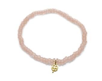 Pearl bracelet four-leaf clover