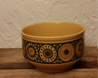 MCM Kilncraft Staffordshire Potteries Ltd England Soup Bowl 1970s Ironstone Retro Mustard Gold and Black Flower Sun Circles