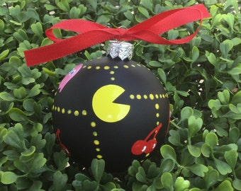 Personalized Classic Pac Man Christmas Ornament - Classic Video Game Ornament