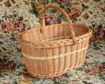 Handwoven Wicker Basket, Oval Willow Basket, Handmade Wicker Oval Basket, Handwoven Picnic Basket, French Country Basket