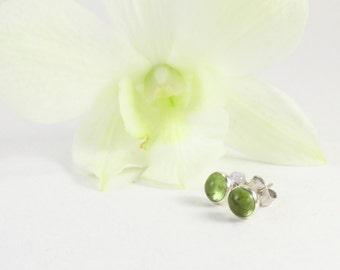peridot stud earrings, peridot silver earrings, peridot silver studs, green silver studs, silver green studs, green studs, peridot earrings