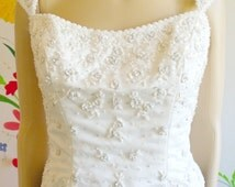 Vintage Bridal Bustier Corset Top White Beaded Flowers Zip Back With Buttons Ribbed Costume