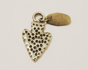 Vge Sterling Stamped Arrowhead Pendant.