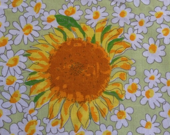 Vintage VERA SUNFLOWERS and DAISIES Tablecloth Shabby Prairie Cottage Chic