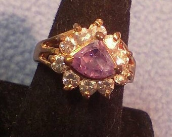 Lovely Ring - Lots of Sparkle, size 8