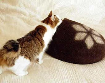 Felted cat furniture - Pet bed dark brown with white geometric decor - felted cat cave bed - cat bed felt - cat bed cave