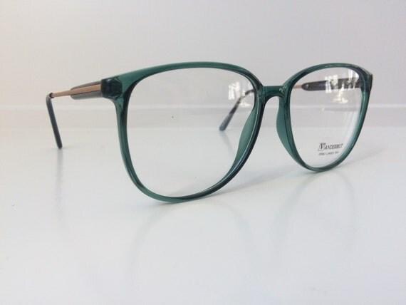 Items similar to Vintage Green Glasses - Vanderbilt ...