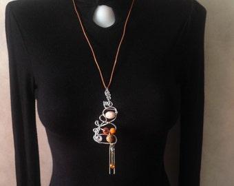 Necklace Boho with aluminium wire pendant//Ceramic beads// Pink,orange,white colors