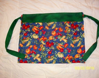waist apron with vegetable print