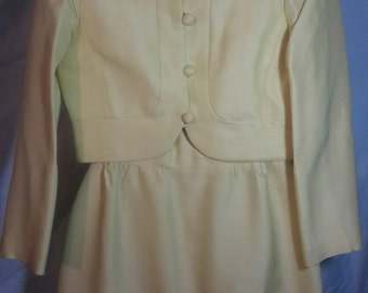 60s style Jackie Kennedy dress with jacket, lines light yellow, size small