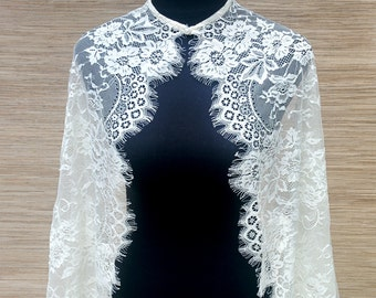 Amelie Chantilly Lace Cape in White