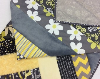 Yellow and Grey Daisy Baby Quilt