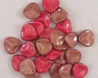 Rose Petal Beads, 14x13mm, Chalk White Funky Wine, 03000-95201, 25 Beads, Czech Glass