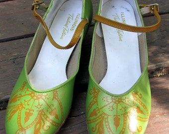hand painted women's heel, hand painted recycled shoes