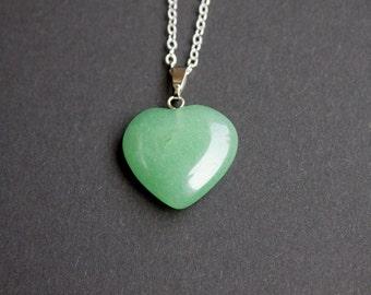 Aventurine pendant, aventurine heart, green necklace, spiritual necklace, protection necklace, luck necklace, friendship necklace, christma